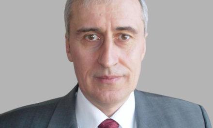 Проф.д-р Храбрин Башев от ИАИ – отново пръв в класацията за българските икономисти за последните десет години и водещ в челната тройка на всички времена. Водещо място и за ИАИ.