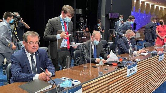 Праг от  7,5 процента задължително преразпределение на средствата за директни плащания е балансирано решение, обяви земед. министър Бозуков